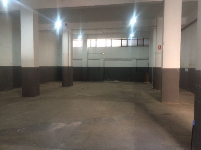 Alquiler Local industrial en Centre. Local en lloguer a l´hospitalet