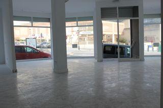 Alquiler Local Comercial en Andratx. Local esquinero 135m diáfano