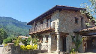 Chalet in Vall d´en Bas (La). Casa en venta en joanetes, en la vall d'en bas, a