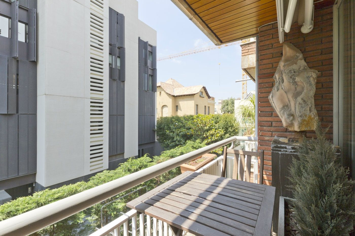 Pis  Cerca de ronda general mitre. 280 m2 con terraza -galvany-