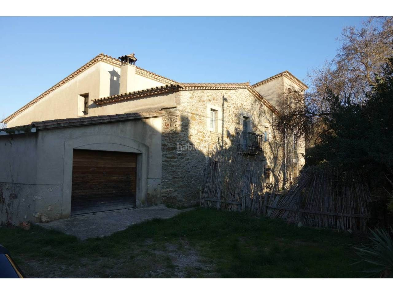 Semi detached house in Quart. Casa adosada en venta