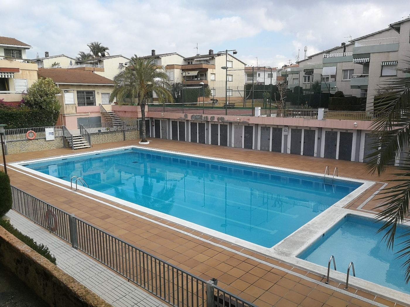 Location Appartement  Coma-ruga. Con terraza,piscina. junto a mar