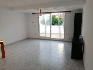 Rent House in Centre. Completamente reformada