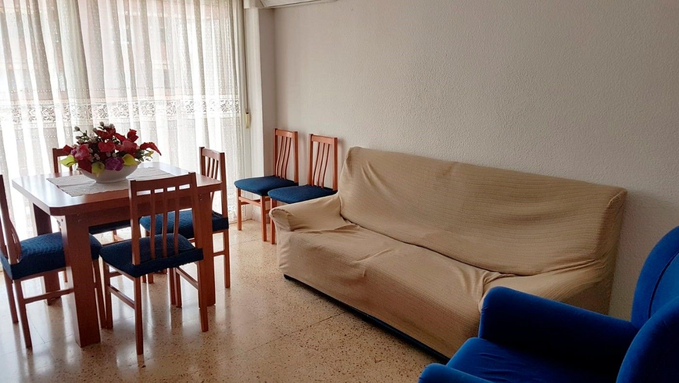 Rent Flat  Carrer rubio i balaguer. Exclusivo piso trat. hospital