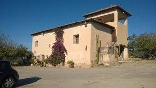 Rent House in Consell. Casa con 5 habitaciones