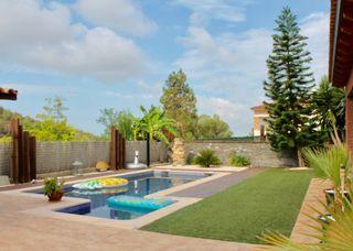 Casa  Carrer solana. Magnifica casa con piscina