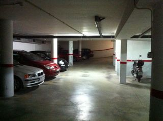 Rent Car parking in Carrer bailen, 18. Parking en zona aiguacuit