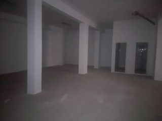 Local Comercial en Calle julio colomer, 12. 180 metros oferta sale a 305 € m