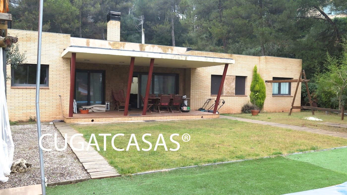 Xalet  Vacarisses. Casa 4 vientos, jardín, piscina