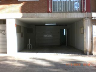 Rent Motorcycle parking in Castelldef- (narciso monturiol,37) moto-a narciso monturiol. Parking moto