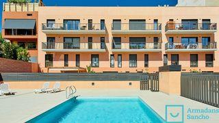 Alquiler Piso en Carrer morales, 46. Maravilloso piso con piscina
