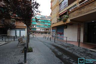 Local commercial Rambla Badal (de), 94. Local commercial à location à barcelona, la bordeta par 475 eur.
