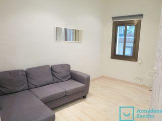 Location Appartement dans Carrer estruc, 20. Piso en el centro