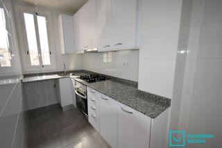 Location Appartement dans Carrer arago, 40. Piso con balcón