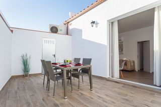 Holiday lettings Apartment  Carrer churruca. Gran terraza