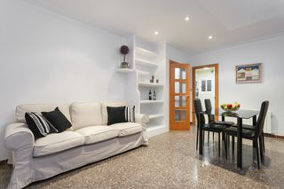 Holiday lettings Apartment  Carrer mossen mole. 4hab, exterior y soleado