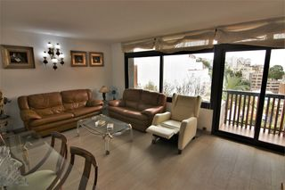 Rent Apartment in Carrer sant eudald, 13. Piso de 3 hab. amueblado