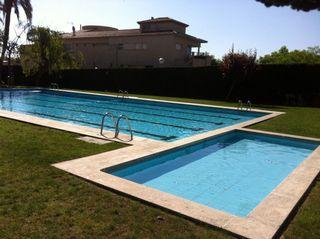 Apartamento  Carrer turisme. Apartamento con piscina
