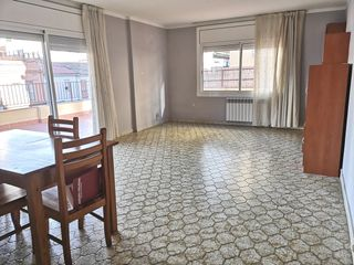 Appartement  Carrer sant jaume. Terraza 130 mts. piso 100 mts