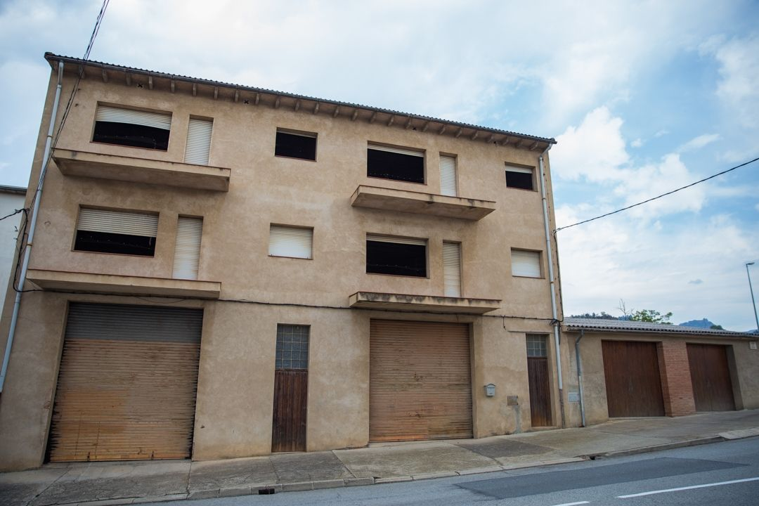 Residence without tenants in Carretera vidra, 21