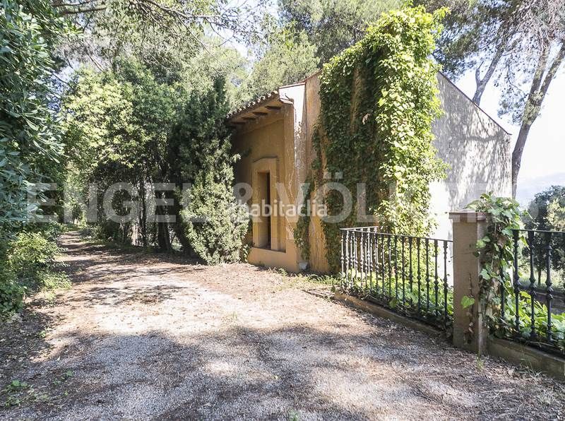 Casa tenis. Rent house with heating parking in Canovelles