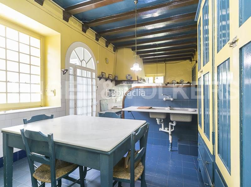 Cocina. Rent house with heating parking in Canovelles
