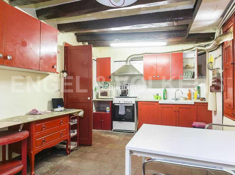 Cocina planta baja. Rent house with heating parking in Canovelles