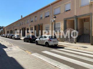 Alquiler Casa adosada en Calle enrique olmos cercos, 15. Adosado en forn de alcedo