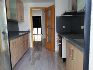 Appartamento  Blasco ibañez. Semi-nuevo con poco uso