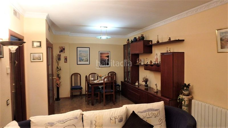 Comedor. Flat with heating in Bufalà Badalona