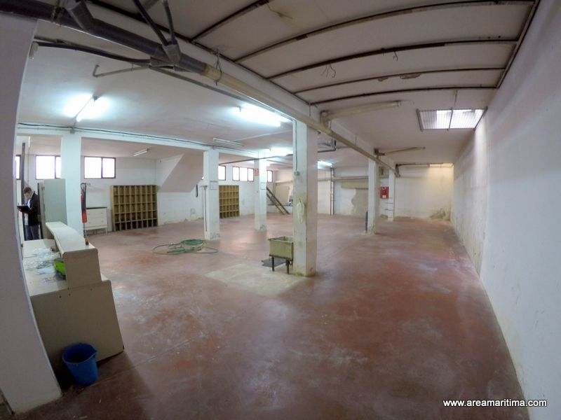 Location Local commercial  Calle teodoro llorente. Alquiler de local comercial 420m
