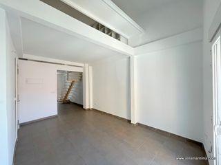 Loft en Calle nicolau de monsoriu, 52. Venta 1º de casa en el cabanyal