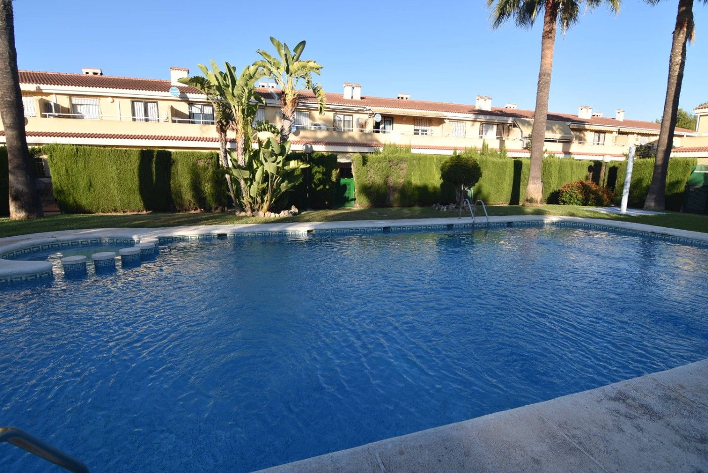 Semi detached house in Calle fatima, 16. Chalet ados. 4 dorm. + piscina