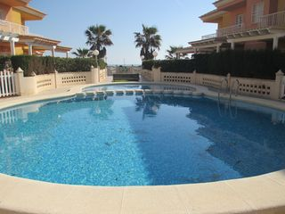 Semi detached house in PLAYA DEL MARENYET OPORTUNIDAD!!!!