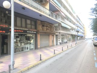 Local Comercial en Calle cabañal 13. Local comercial