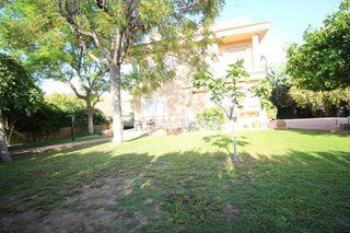 Chalet  Alcalaten. Chalet con 4 habitaciones con parking, calefacción y aire acondi