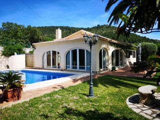 Rent Chalet in Oliva Poble