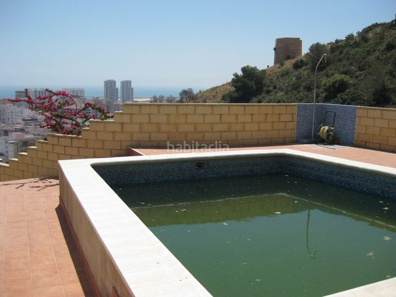 Piscina comunitaria. Semi detached house in carretera subida santuario in Cullera