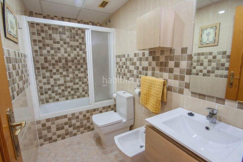 Baño completo con ducha. Chalet with fireplace parking pool in Sant Antoni Cullera