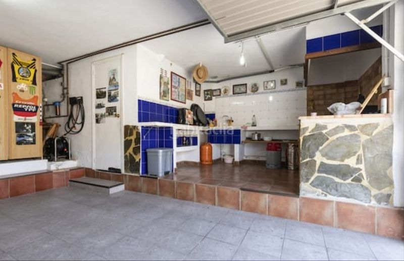 Garaje. Semi detached house with fireplace parking pool in Cullera