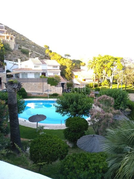 Piscina comunitaria. Semi detached house with fireplace parking pool in Cullera
