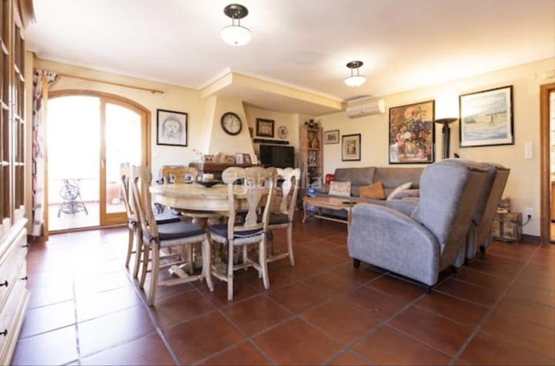 Salón. Semi detached house with fireplace parking pool in Cullera