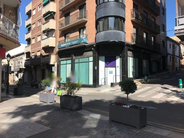 Location Local commercial  Calle major. Buena zona