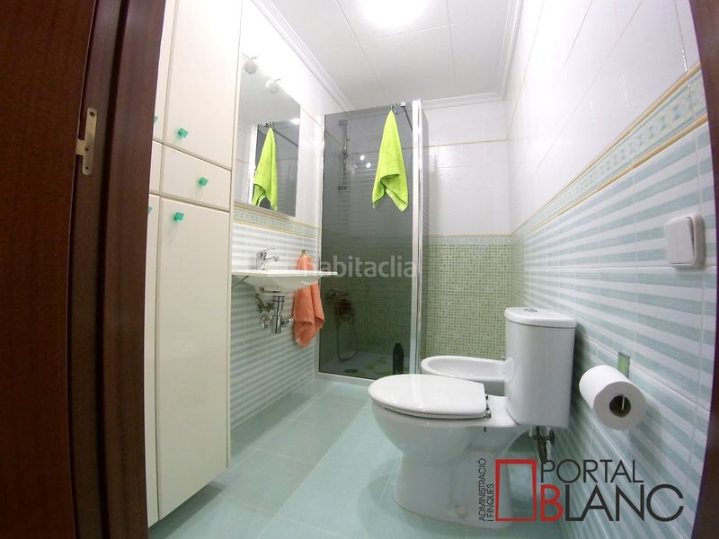 Baño planta baja. House with fireplace heating parking pool in Ametlla del Vallès (L´)