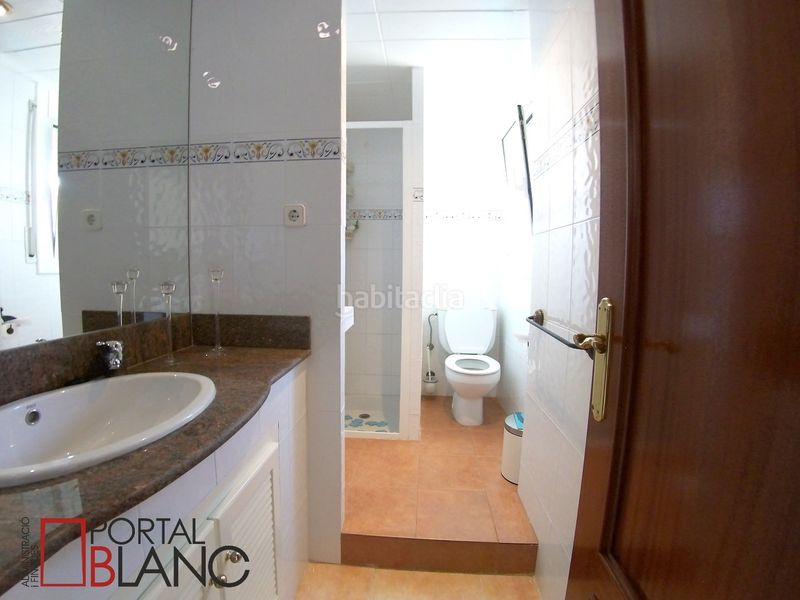 Baño planta superior. House with fireplace heating parking pool in Ametlla del Vallès (L´)