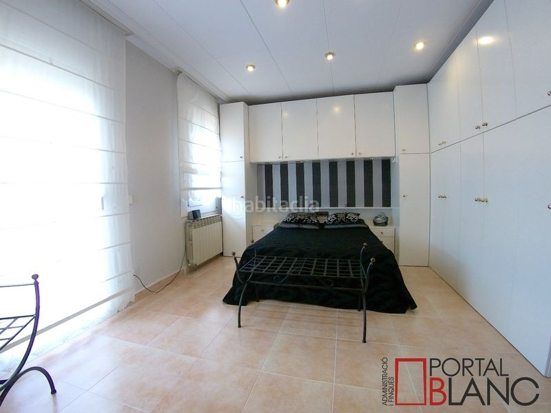 Habitación doble planta superior. House with fireplace heating parking pool in Ametlla del Vallès (L´)