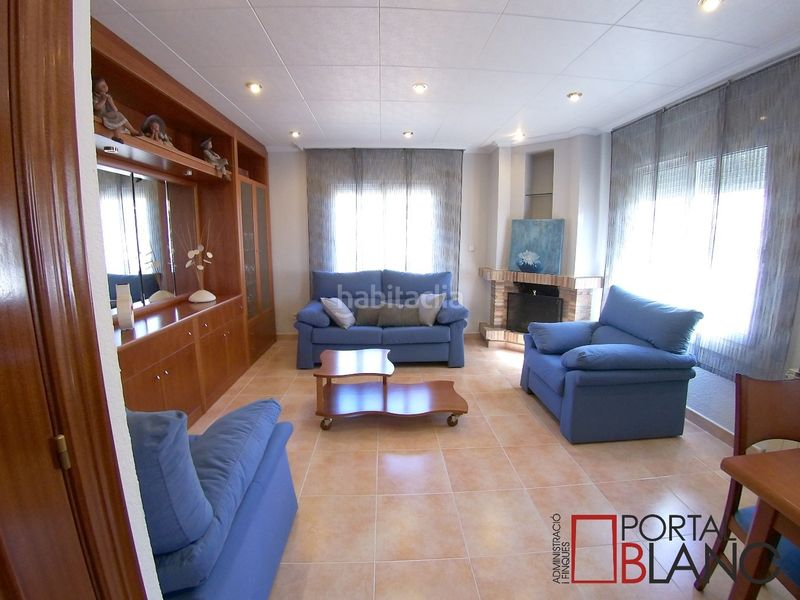 Salón planta superior. House with fireplace heating parking pool in Ametlla del Vallès (L´)
