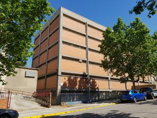 Rent Industrial building  Carrer isaac peral. Nave industrial sant just desver