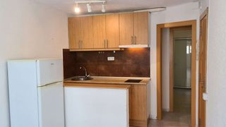 Rent Apartment  Carrer cedres. Junto mercado can vidalet