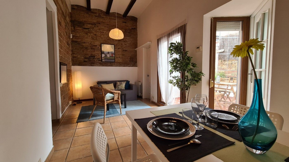Casa Carrer Montseny. Casa con terraza